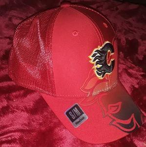 Calgary Flames NHL / Reebok Full Fitted Hat